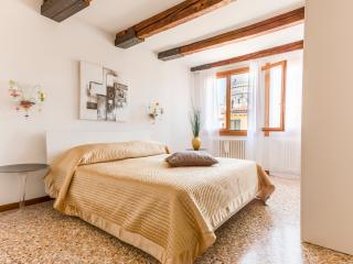 Academy Palace Apartment n.5 - Venezia vacation rentals