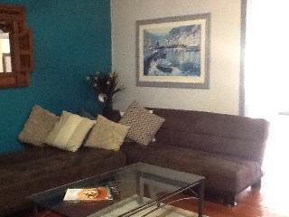 Location location Beautiful Westend unit - Brisbane vacation rentals