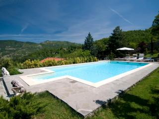 6 bedroom Villa in San Godenzo, Florentine Hills, Arno Valley, Italy : ref 2293983 - San Godenzo vacation rentals