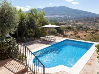 New Villa Fantastic views, 2+1bed Private Pool - Malaga vacation rentals