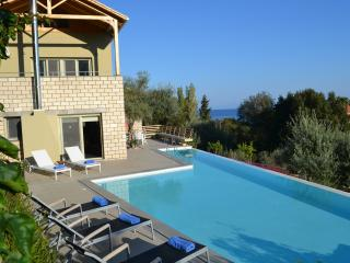 Arenaria L. Villlas complex - Villa Oeana - Central Greece vacation rentals
