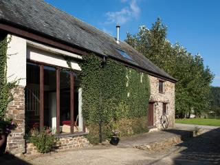 Weirmarsh Big Barn - Spacious Barn Conversion - Barnstaple vacation rentals