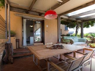 Beautiful 2 bedroom House in Stintino with Deck - Stintino vacation rentals