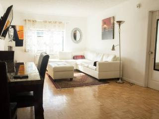 MARVELOUS 2B 2BA SUITE,GYM,PARKING,NYC TRAIN-HPK - Jersey City vacation rentals