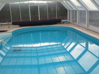 chambre d hote dans grande maison au calme piscine - Thodure vacation rentals