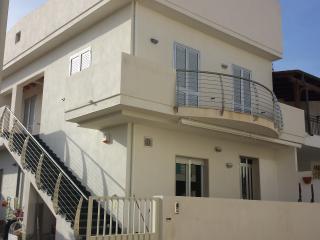 Bright 2 bedroom Apartment in Punta Secca with Television - Punta Secca vacation rentals