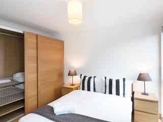 1 Bed Apartment In Angel | Parking | #BH1060 - London vacation rentals