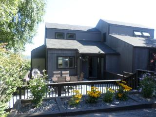 Newly Renovated, Clean and Spacious Townhouse - Tannersville vacation rentals