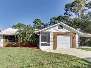 Spacious pet-friendly home with screened-in pool - Sebring vacation rentals