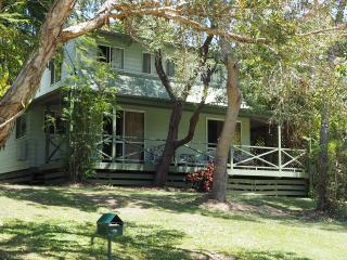 Morwong Beach Cottage - Coochiemudlo Island vacation rentals
