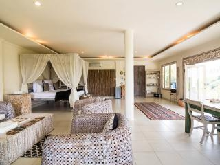 Nice Villa with Deck and Internet Access - Ubud vacation rentals