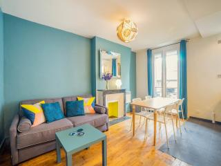 Cosy apt, trendy Canal Saint Martin, 2-5 people - Paris vacation rentals