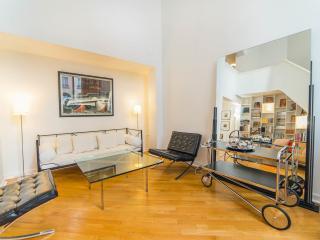 Stunning Gated Art Deco Duplex Townhouse - 16th Arrondissement Passy vacation rentals