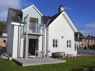 Bright 4 bedroom House in North Kessock - North Kessock vacation rentals