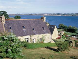 Nice cottage in Bretagne / France with seaview for 4-5 - Plougrescant vacation rentals