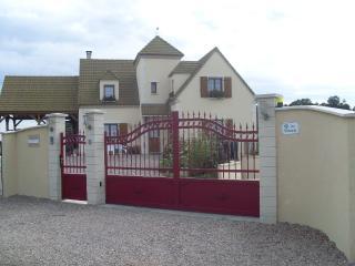 Bright 4 bedroom House in Broglie - Broglie vacation rentals