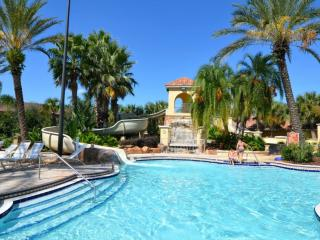 Spacious 4 bedroom towhnome with resort amenities - Davenport vacation rentals