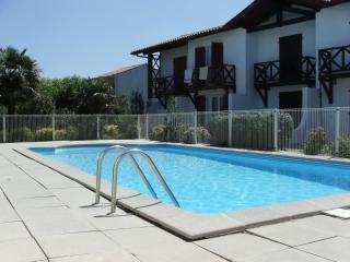 Appartement T3 Piscine et vue Mer au Pays Basque - Bidart vacation rentals