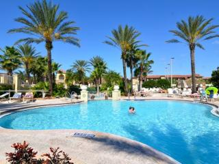 Spacious 3 bedroom townhome  resort + lazy river - Davenport vacation rentals