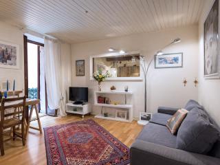 Dimora Cadrega 2 - Elegant apartment in the center - Verona vacation rentals