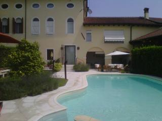 Elegant Dependance in a smart Garden near Venice - Casale sul Sile vacation rentals