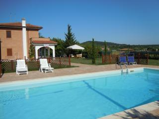 Marhaba Campitello b&b - estate/inverno - Vinchiaturo vacation rentals