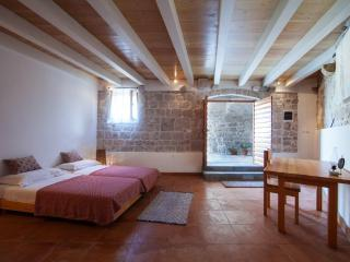 Nice 2 bedroom Villa in Vis - Vis vacation rentals