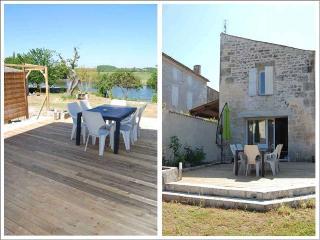 Maison Indépendantes Bords de Charentes - Port d'Envaux vacation rentals