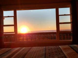 Oceanfront -Deck-BBQ-FirePit - Watch Sunset & Rise - Grayland vacation rentals