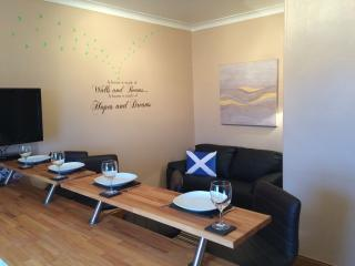 Romantic 1 bedroom Girvan Apartment with Internet Access - Girvan vacation rentals