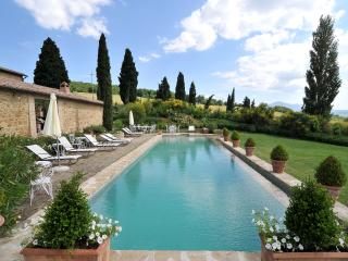 Tuscan Farmhouse with Private Pool and Beautiful Views - Villa Gaia - Monticchiello vacation rentals