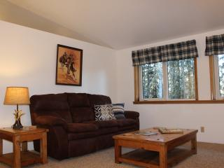 North Pole Aurora Lodge - Gold Miners Suite - North Pole vacation rentals