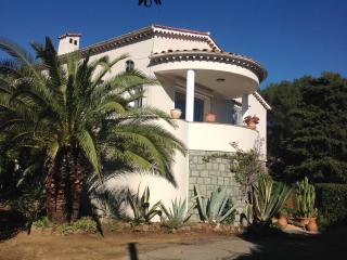 Côte d'Azur, Rez de Villa du Pébrier(400m Mer) - Saint-Aygulf vacation rentals