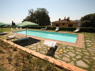Villa Cozzile - Massa e Cozzile vacation rentals