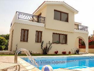 Comfortable 3 bedroom villa, panoramic views, pool - Kissonerga vacation rentals