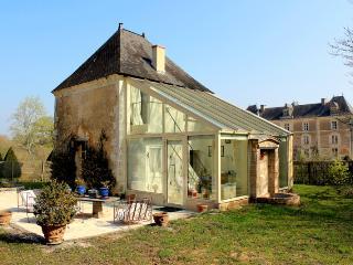 Suite Pavillon de France Château de Chambiers - Durtal vacation rentals