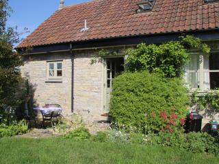 The Stables, Butleigh (4 miles from Glastonbury) - Butleigh vacation rentals