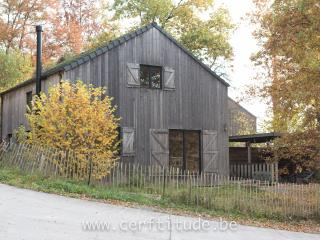 Bright 3 bedroom Hotton Chalet with Housekeeping Included - Hotton vacation rentals