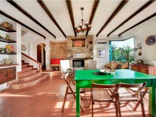 Comfortable 3 bedroom Ragusa Villa with Internet Access - Ragusa vacation rentals