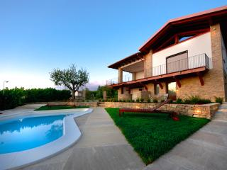 Nice Resort with Internet Access and Housekeeping Included - Cossano Belbo vacation rentals