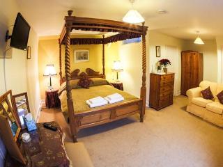 6 bedroom House with Internet Access in Beaulieu - Beaulieu vacation rentals