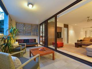 Temple 304 Stunning Views Modern Spacious - Palm Cove vacation rentals