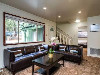 Cozy Cabin in the Heart of South Lake Tahoe – Sleeps 8 - South Lake Tahoe vacation rentals