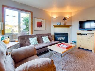 Welcoming, dog-friendly home with close beach access near downtown! - Cannon Beach vacation rentals