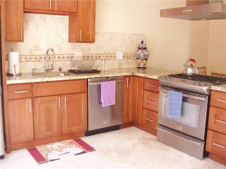 Bright 2 bedroom Pacifica House with Deck - Pacifica vacation rentals