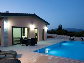 Cozy 2 bedroom Vathy Villa with Internet Access - Vathy vacation rentals