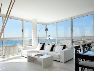 Apt. with beach,terrace Barcel - Barcelona vacation rentals