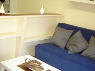 Cozy 1 bedroom Apartment in Lugo with Garden - Lugo vacation rentals