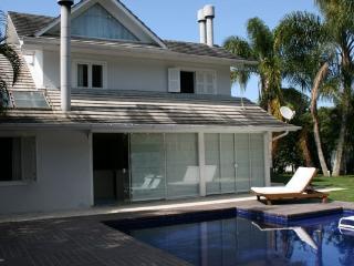 Casa Condomínio Frente Mar - Barra da Lagoa vacation rentals