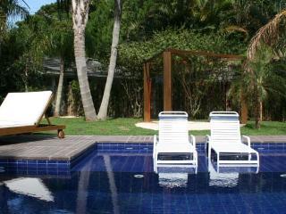 Linda Casa com Piscina condominio frente a praia mole - Sul Brasil vacation rentals